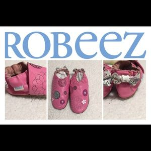 Robeez Shoes size 18 -24months